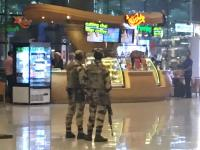 Armed soldiers, Mumbai airport